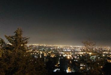 سیلوئت شهر ارومیه در شب