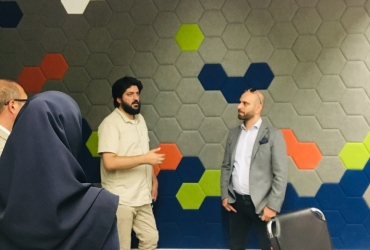 The One Iranian visited Azadi Factory